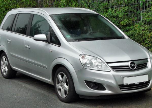 Opel Zafira Kölcsönzés