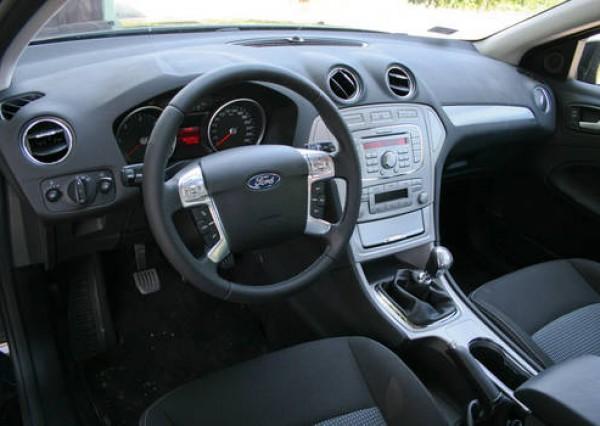 Ford Mondeo Kölcsönzés